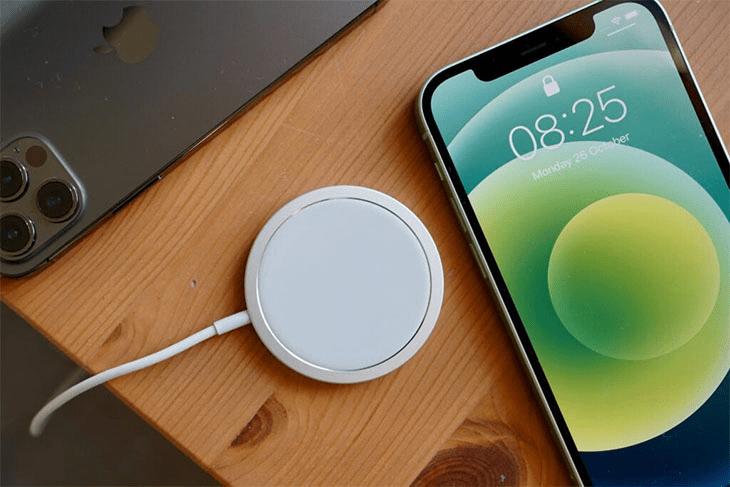 sạc chuẩn không dây qi của iphone 13 mini pro max